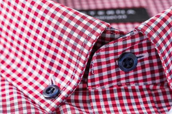 Rode Overhemd.Rode Overhemden
